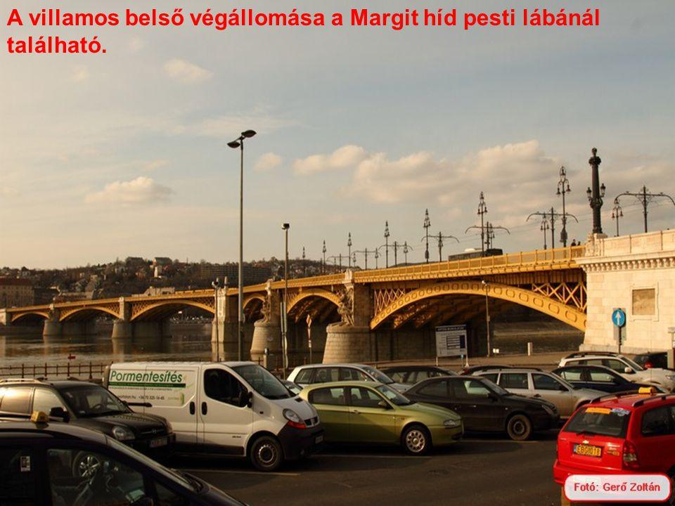 A villamos belső végállomása a Margit híd pesti lábánál található.