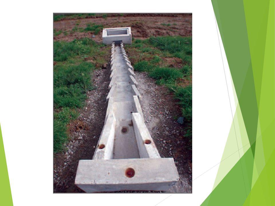 Példák a jó tervezői gyakorlatból Vagy előre tervezett  Ismert a vízadó réteg és a kilépési hely Vagy építés közben tervezett Nem ismert a vízkilépés helye építés során jelent csak meg