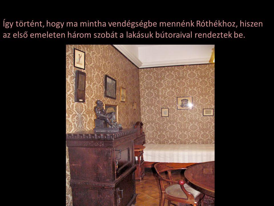 Róth Miksa 1944-ben halt meg, természetes halállal, hiszen kikeresztelkedettként akkor még védett helyzetben volt, de ekkor már állandó rettegésben él