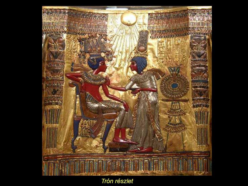 Tutankhamon és felesége, Ankhsenamon, a háttámlán.