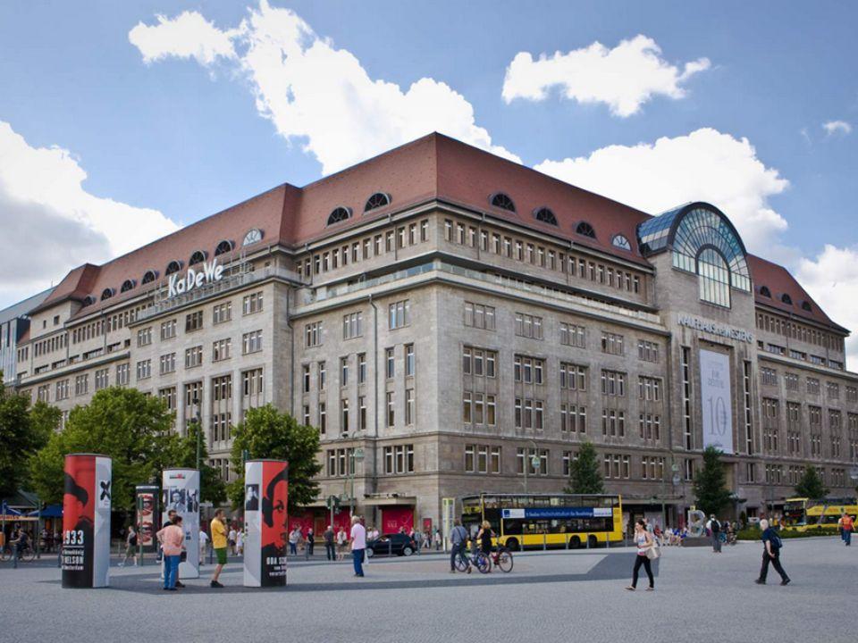 Berlini Állatkert A Berlini Állatkertben 1589 faj található.