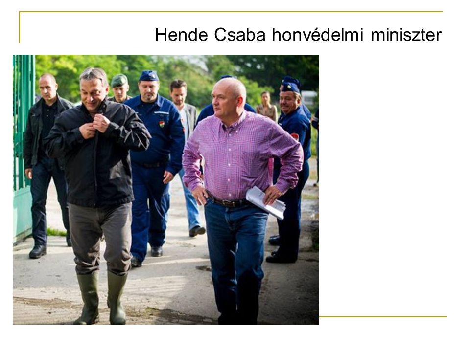 Hende Csaba honvédelmi miniszter
