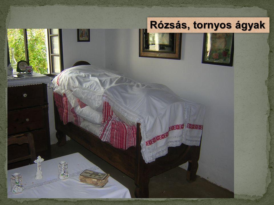 Rózsás, tornyos ágyak