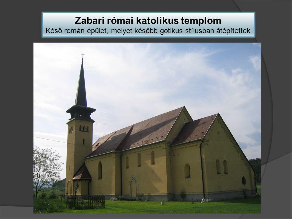 A román kori világi építmények közé váraink belső részei sorolhatók: Salgó