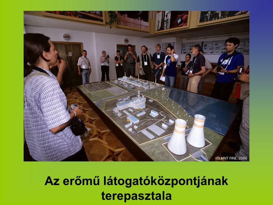 Az erőmű látogatóközpontjának terepasztala