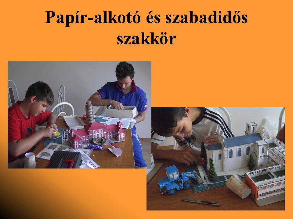 Papír-alkotó és szabadidős szakkör