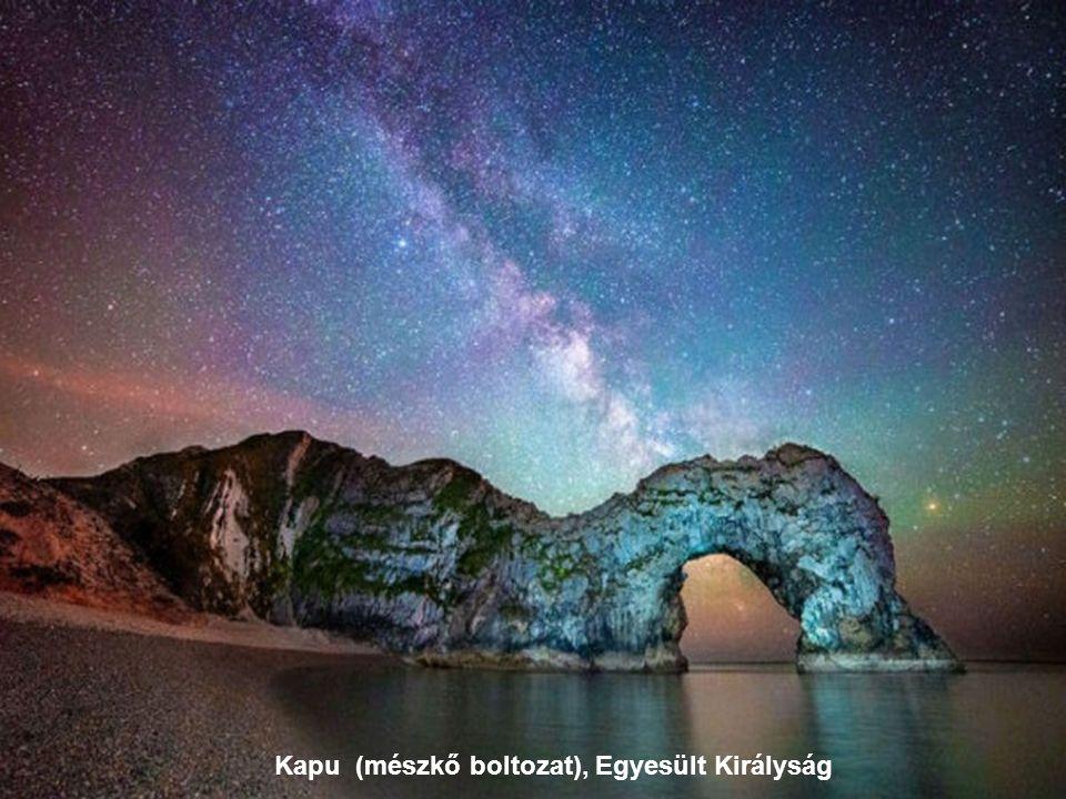 Csúcsos tengerpart Horvátországban