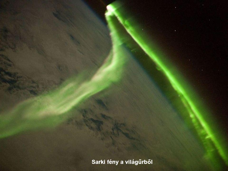 Sarki fény a világűrből