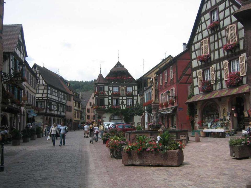 """RIQUEWIHR Franciául Riquewihr, németül Reichenweier francia település és közösség Felső Rajna megyében, Elzászban. Turisztikai vonzerő, melyet """"A Fran"""