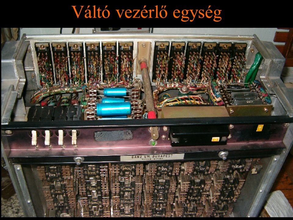 Rétlaki Győző: D70 szerkezeti elemek Váltó vezérlő egység