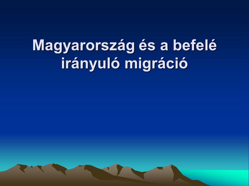 A magyarországi migráció tendenciái A rendszerváltást megelőzően a beván- dorlás államközi egyezmények alapján (pl.: családegyesítés) vagy politikai dönt- sek alapján történt (pl.: 1947-ben görögök, 1973 chileiek) 1963 – 1988 között 47 000 más ország- beli személy telepedett le hazánkban A munkavállalási migráció is szervezett keretek között történhetett