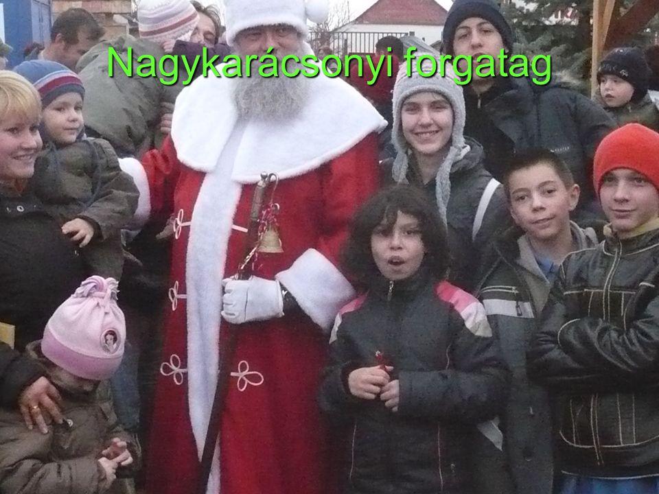 Nagykarácsonyi forgatag