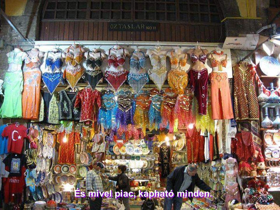 A piacnak a legjobban a fűszerek adják meg a színét és, azt mondják, a jellegét is!!