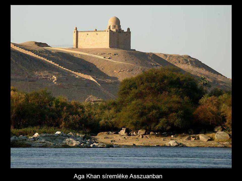 Mielőtt a gátak épültek, a Nílus elárasztotta minden évben a vidéket, nyár végén sok víz folyt le a völgybe, annak kelet-afrikai vízgyűjtő medencéjében.