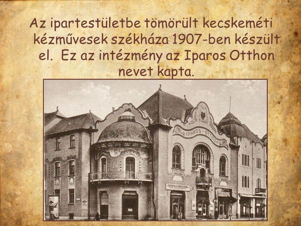 A város legnagyobb banképülete, a Takarékpénztár a század elején még magában állt a Szabadság téren.