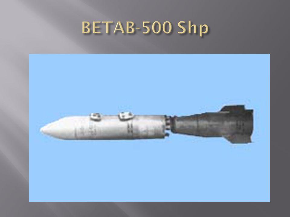 BETAB-150 DS betonromboló bomba rakétahajtóm ű vel Anyaga: öntöttvas Formája: egyrészes, oldalai párhuzamosak, fenékrésze kúpos, 203 mm-es tüz.