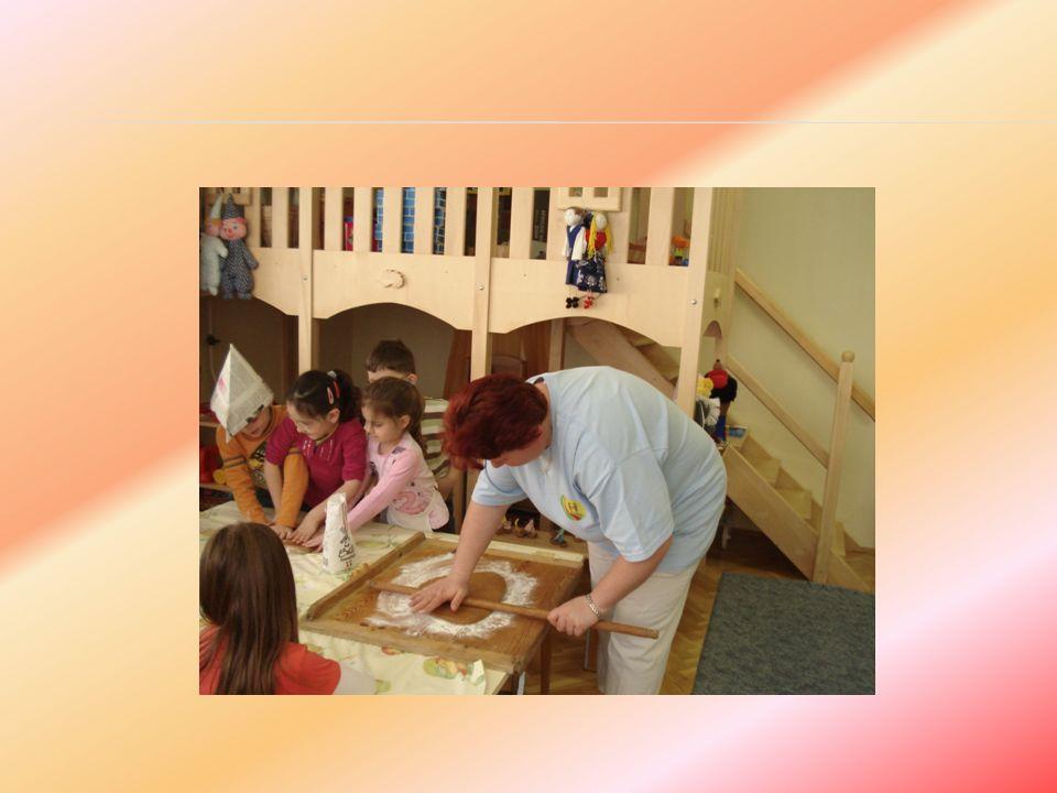 Dajkák szakmai fejlesztése, továbbképzése:  - Célja a gyermekekkel, óvodapedagógusokkal, a közvetlen munkatársakkal, és a szülőkkel való kapcsolat eredményességének biztosítása, valamint a munkaköri feladatok minőségi szinten történő ellátásának támogatása.