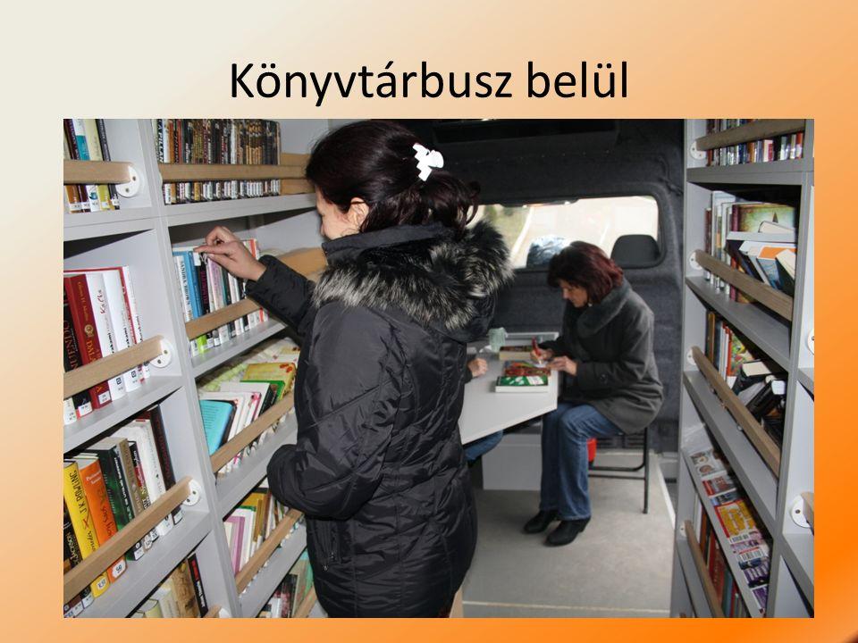Könyvtárbusz belül