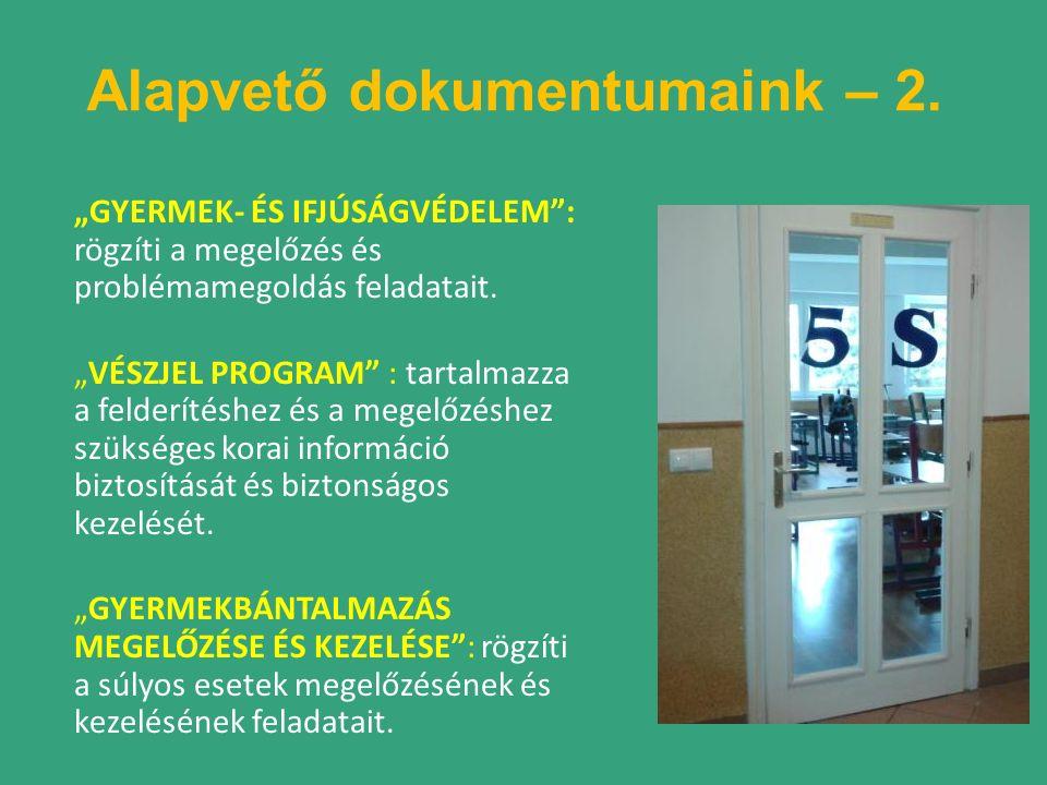 """""""GYERMEK- ÉS IFJÚSÁGVÉDELEM : rögzíti a megelőzés és problémamegoldás feladatait."""