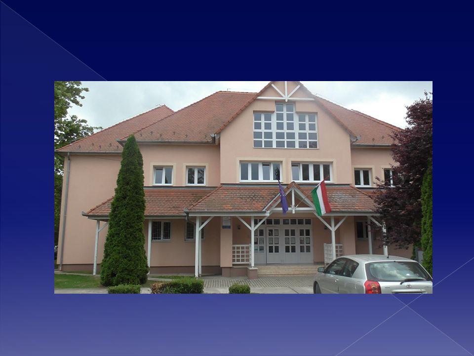  A községi önkormányzat a KEOP – 2368 – 1 /2012 pályázattal 90 006 290 Ft vissza nem térítendő támogatást nyert iskolánk felújítására, teljes egészében ökológiai célokat megvalósítva.