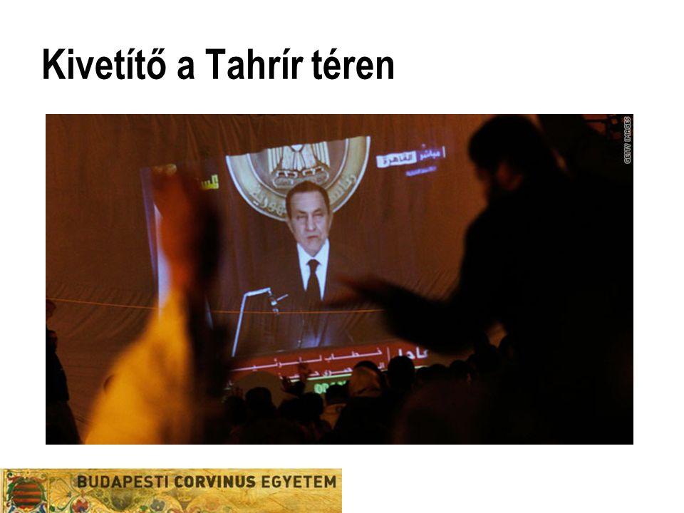 Kivetítő a Tahrír téren