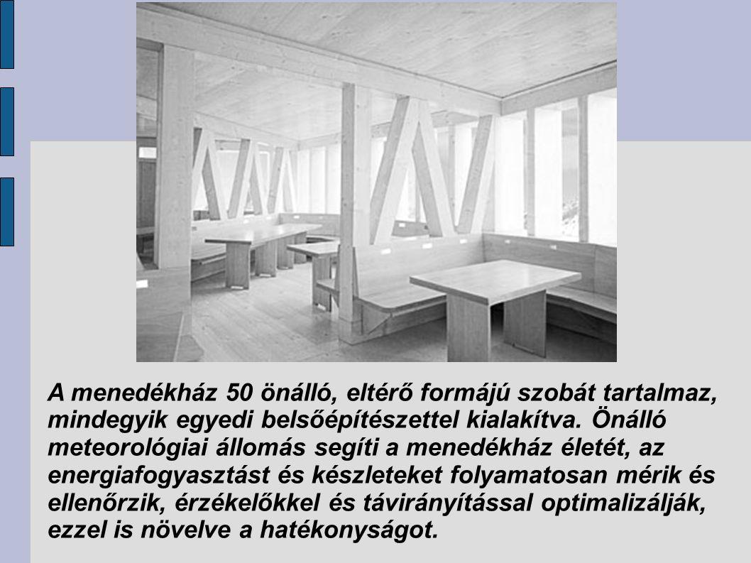 A menedékház 50 önálló, eltérő formájú szobát tartalmaz, mindegyik egyedi belsőépítészettel kialakítva.