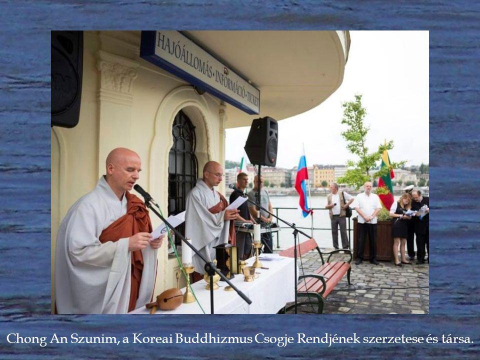 Dr. Osztie Zoltán római katolikus plébános, Magyarország egyik legrégibb templomának, a Nagyboldogasszony Főplébániatemplom közösségének vezetője.