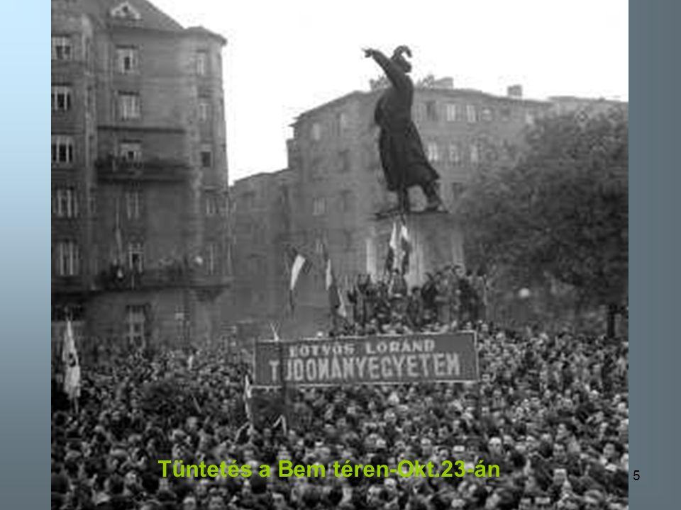 35 Leveszik a szovjet címert a Szabadság téren