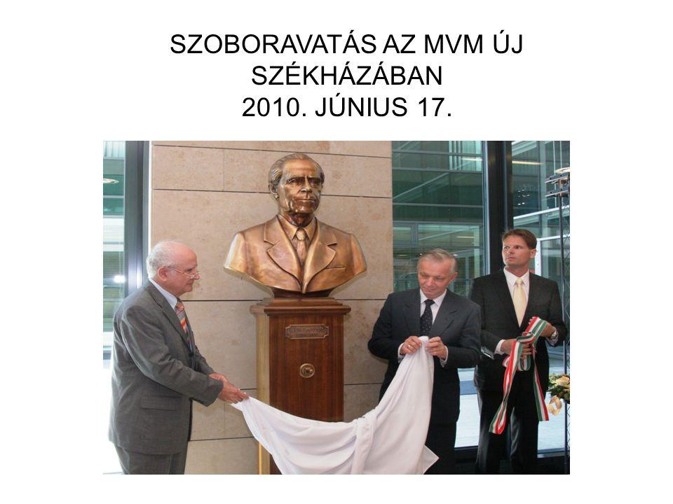 SZOBORAVATÁS AZ MVM ÚJ SZÉKHÁZÁBAN 2010. JÚNIUS 17.