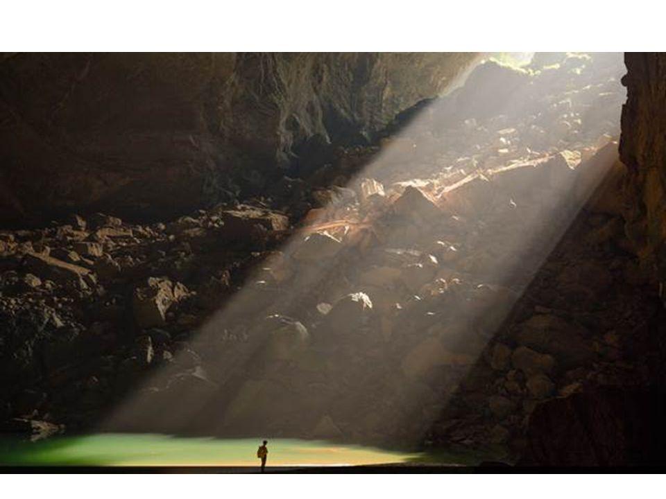 A barlangnak saját felhői is vannak, amelyek az enyhe hőmérséklet különbség miatt alakulnak ki.
