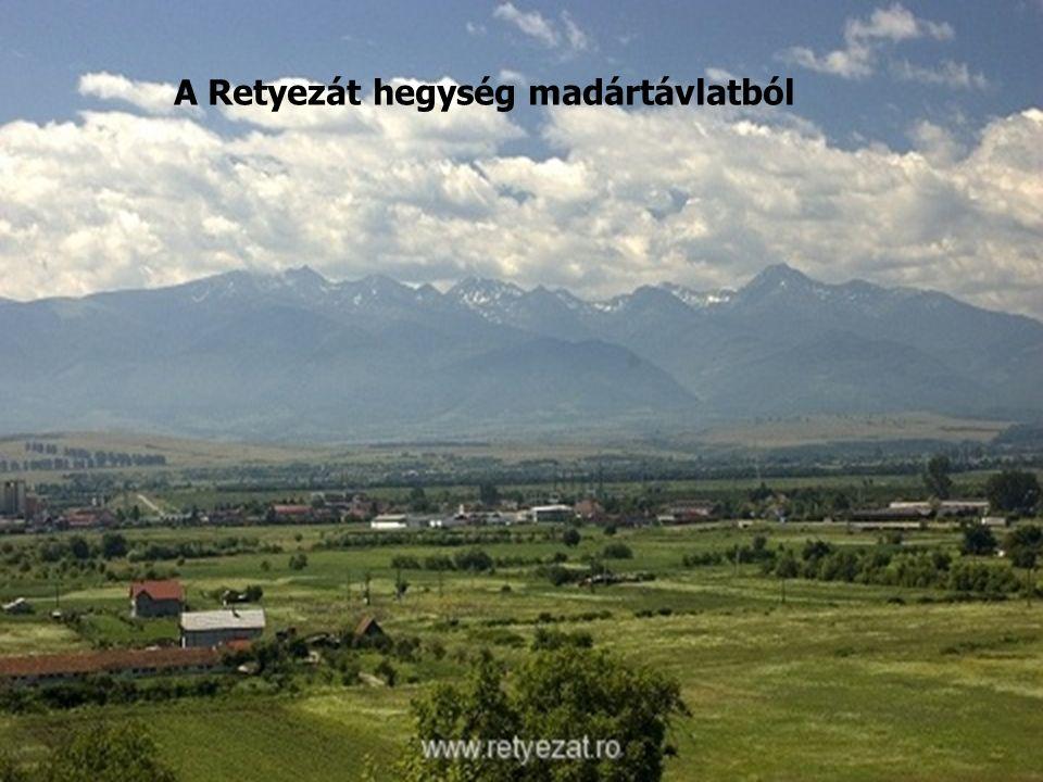 A Retyezát hegység madártávlatból