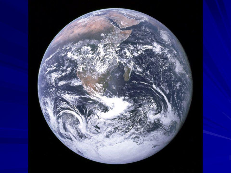 A víz körforgalma Évente 396 ezer km 3 víz vesz benne részt, melynek: 80-83%-a (334 E km 3 ) az óceánok felszínéről, a többi 17-20% (62 E km 3 ) a szárazföldekről párolog el, míg az elpárolgó vízmennyiség részben (297 E km 3 ) az óceánokra, részben (99 E km 3 ) a szárazföldekre hull vissza.