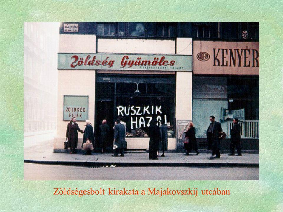 Zöldségesbolt kirakata a Majakovszkij utcában