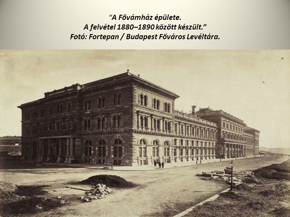 """""""A Fővámház épülete. A felvétel 1880–1890 között készült."""" Fotó: Fortepan / Budapest Főváros Levéltára."""