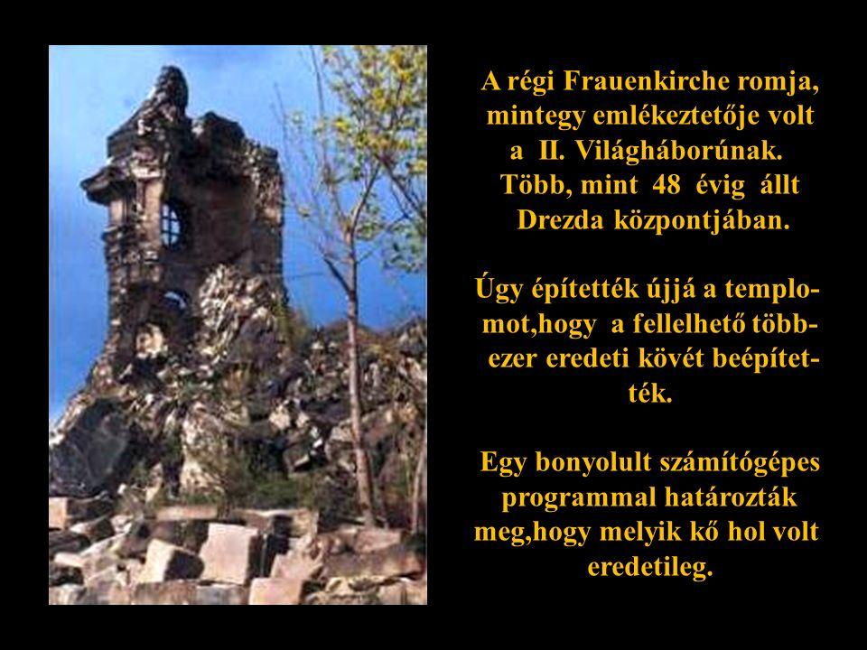 Kezdődik a lerombolt Frauenkirche törmelékeinek elszállítása.