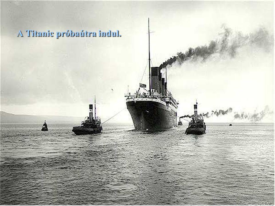 Az elkészült hajó, még a dokkban.