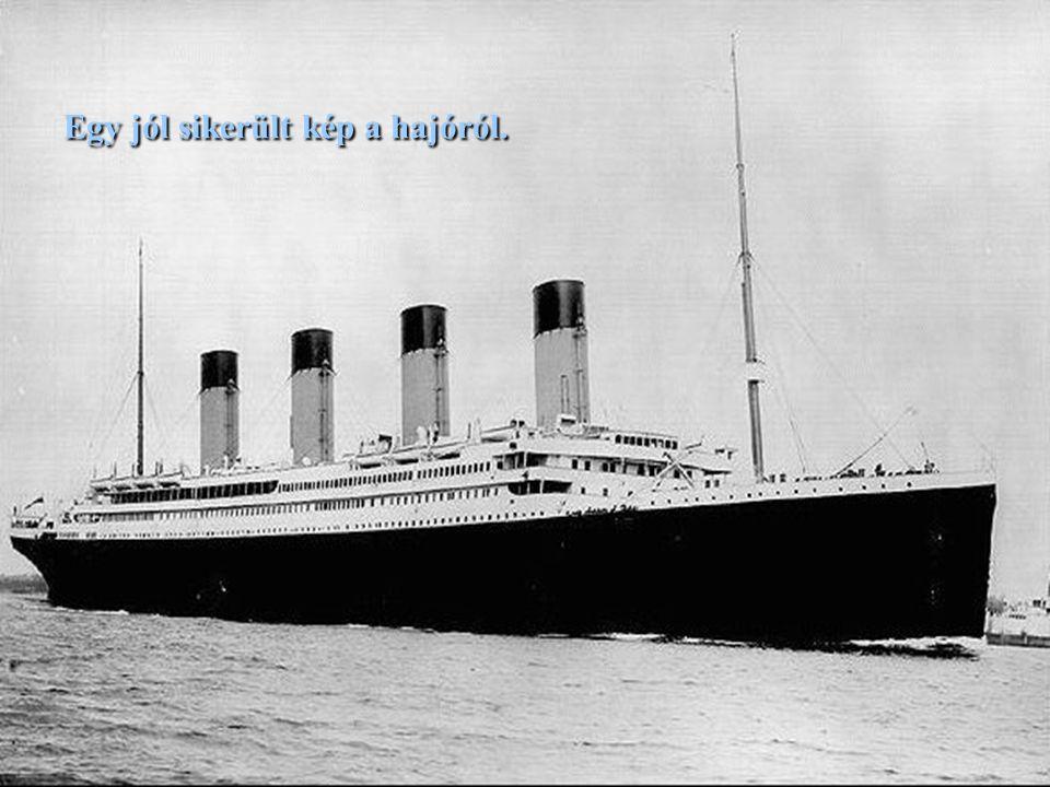 A White Star társaság: büszkén hirdeti: a 290 méter hosszú és 30 méter széles Titanic, legalábbis függőlegesen, felülmúlja a világ legmagasabb épületeit és műemlékeit.