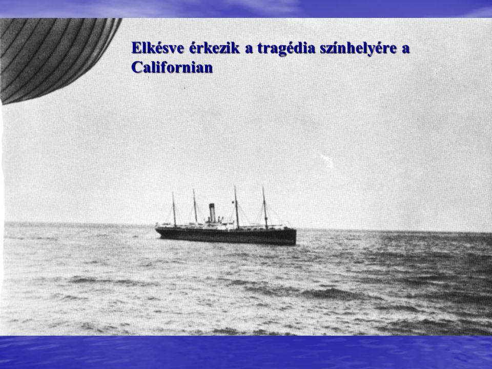 A B csónak gerincén állva majdnem harminc férfi menekült meg a bátor Lightoller vezetésével.