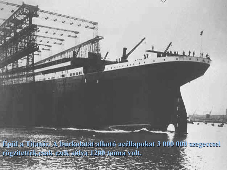 Még a szárazdokkban, de már hajó formában...