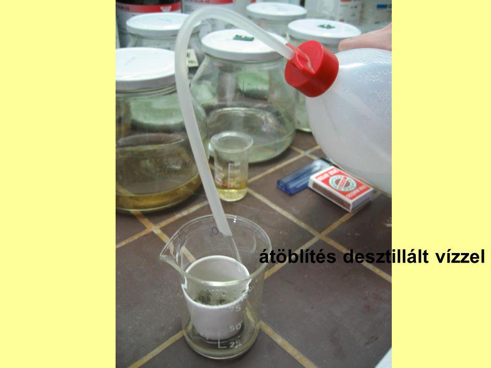 átöblítés desztillált vízzel