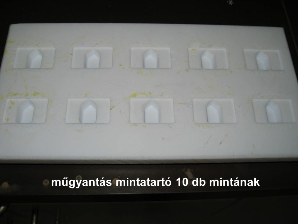 műgyantás mintatartó 10 db mintának