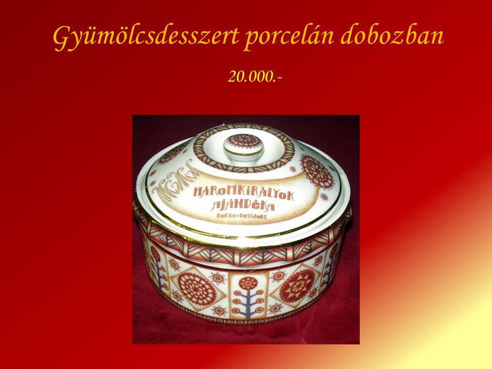 Gyümölcsdesszert porcelán dobozban 20.000.-