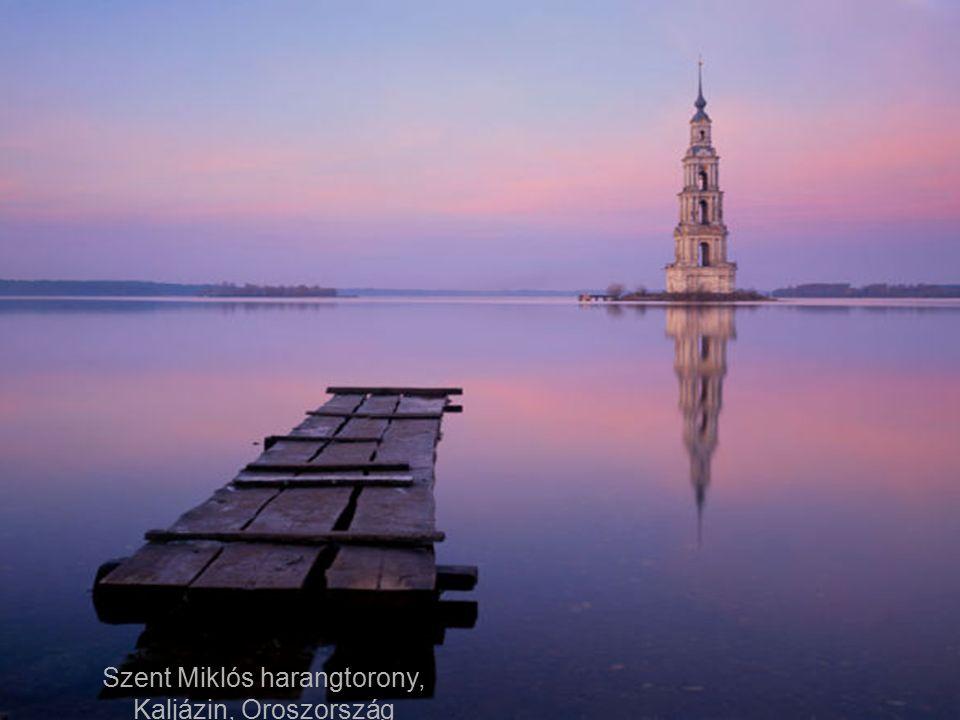 Decebal dák király szobra a Duna-szorosban, Románia-Szerbia határán.