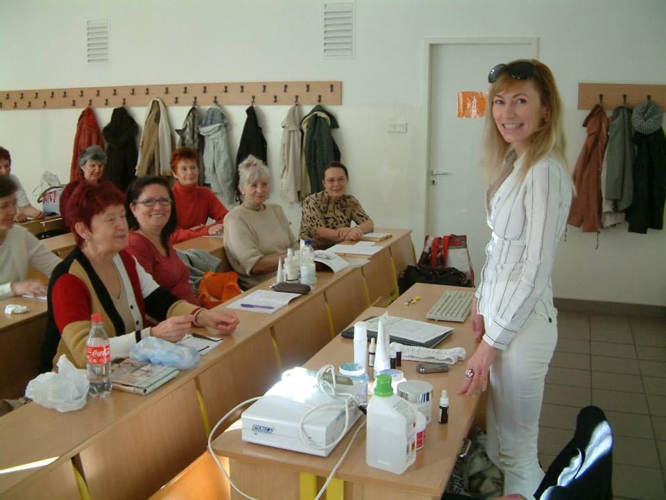 Alapruhatár Hiba Hiba –Túlzsúfolt szekrény  Ragaszkodás  Impulzus vásárlások  Ruháid 80%-a sosem hordott ruhadarabok Megoldás Megoldás –Szelektálás