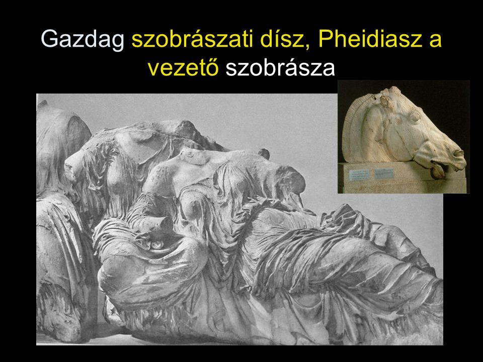 Gazdag szobrászati dísz, Pheidiasz a vezető szobrásza