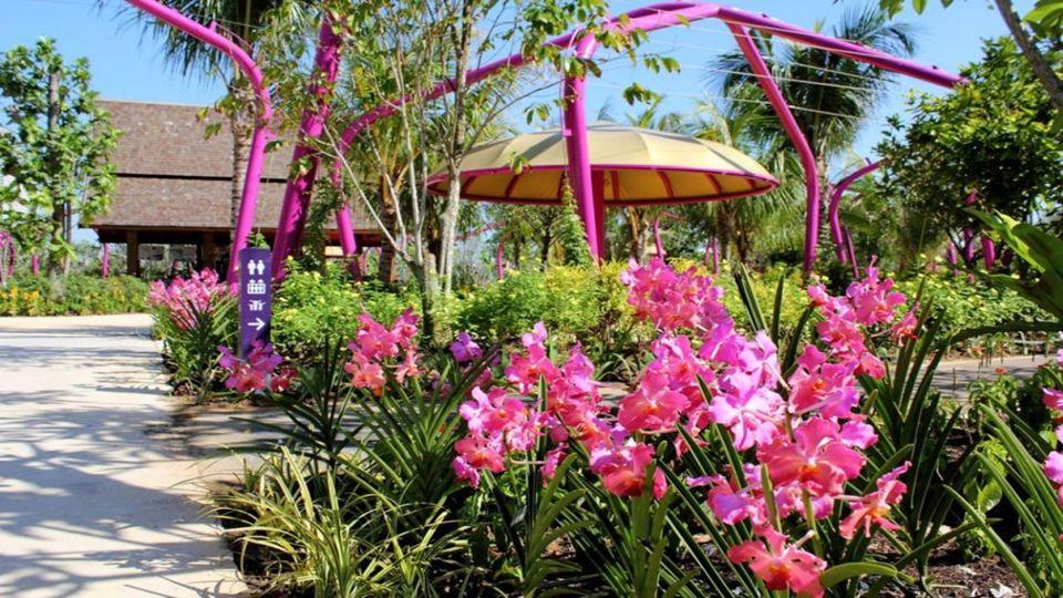 Az örökség kertek négy tematikus kertek gy ű jteménye, hogy viszi át a történelem és a kultúra a három f ő etnikai csoportok Szingapúrban és a gyarmati múltat idéz ő látnivalóknál..