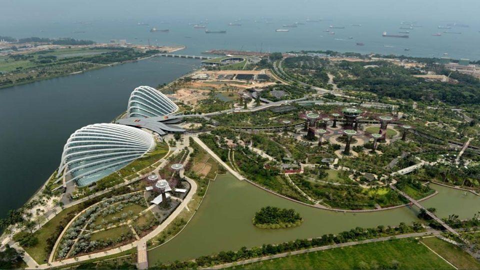 Kertek az öbölben a regenerált föld a tenger Szingapúr központjában, a Marina reservoir park, amely magában foglalja a 101 hektár (250 hektárból).