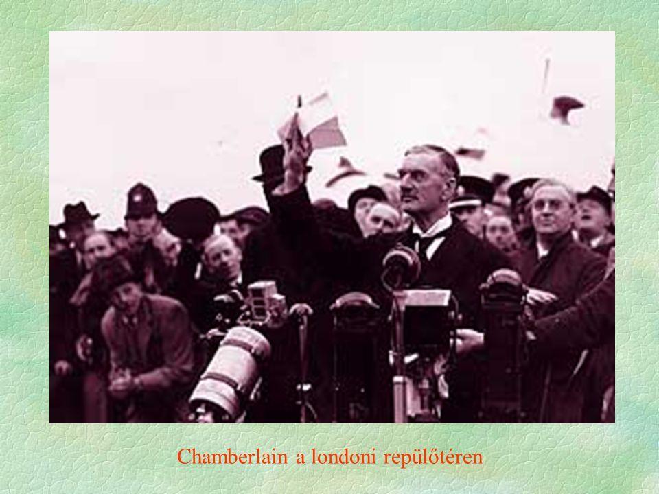 Chamberlain a londoni repülőtéren