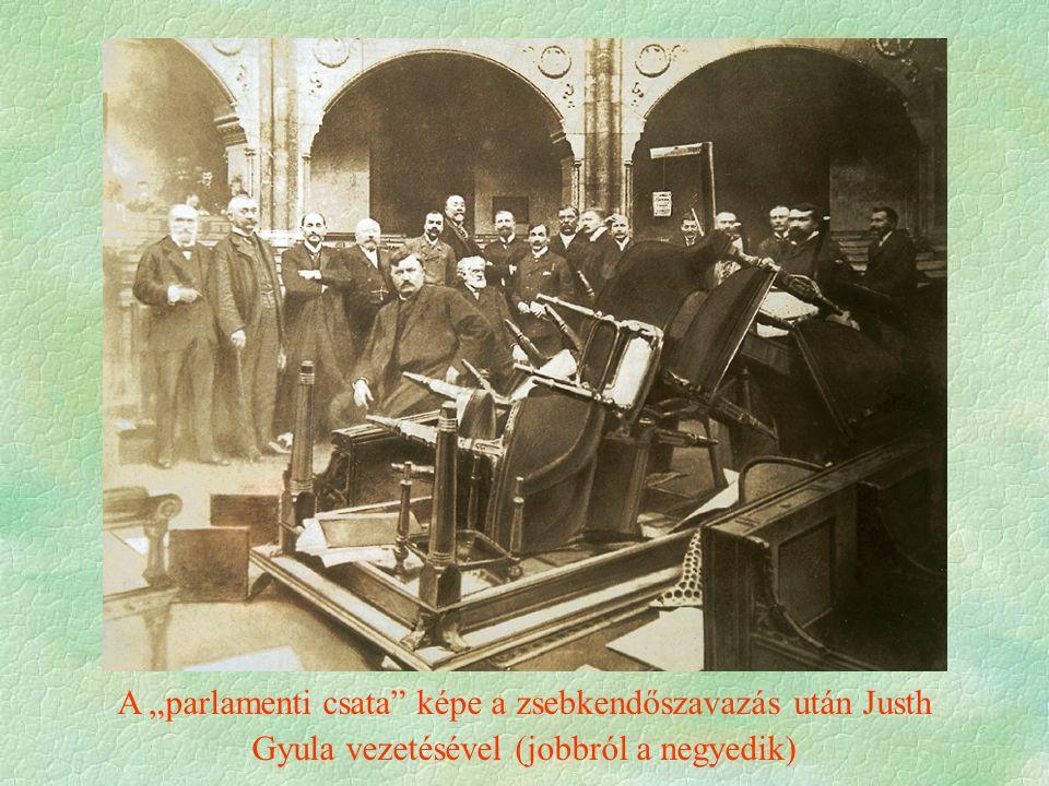 """A """"parlamenti csata képe a zsebkendőszavazás után Justh Gyula vezetésével (jobbról a negyedik)"""