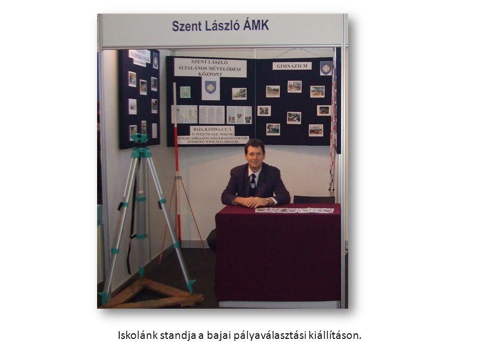 Iskolánk standja a bajai pályaválasztási kiállításon.